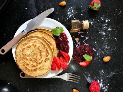 Nos petits chefs Pâtissiers 6-14 ans : Pancakes sauce caramel et fruits